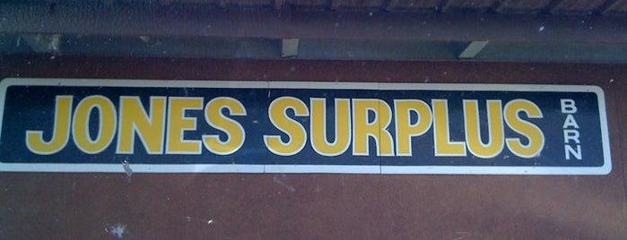 Jones Surplus Barn is one of Orte, die Krysten gefallen.