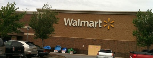Walmart Supercenter is one of Lugares favoritos de Jerrelle.