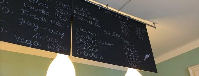 Chili's Burger is one of Angéla : понравившиеся места.