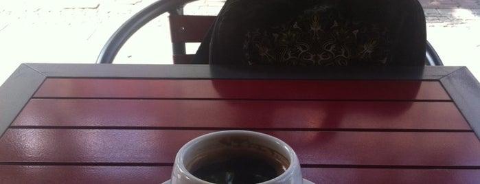 Coffee Snack Bar is one of Posti che sono piaciuti a Kajo.