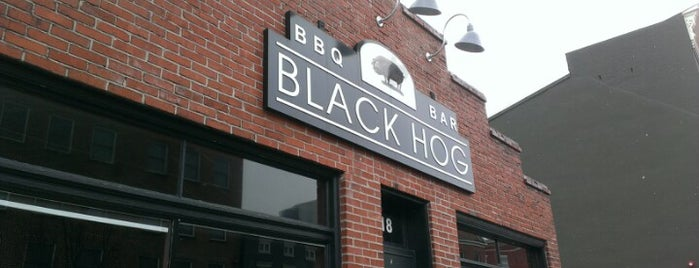 Black Hog BBQ is one of Lugares favoritos de Jen.