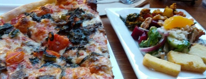 Pete's New Haven Style Apizza is one of DC Favorites.