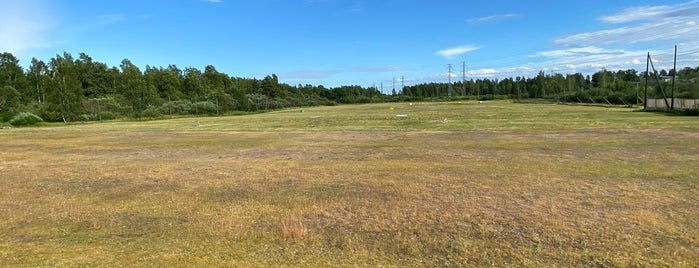 Season Golf is one of Golf winter training centers in Finland.