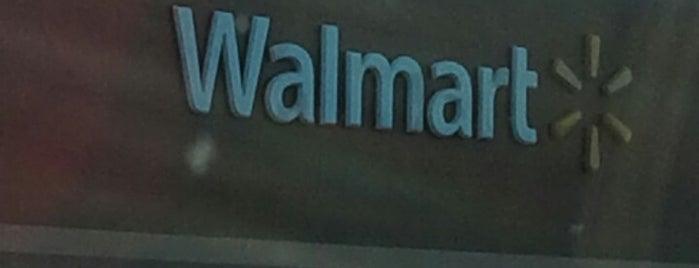 Walmart Supercenter is one of Posti che sono piaciuti a Leilani.