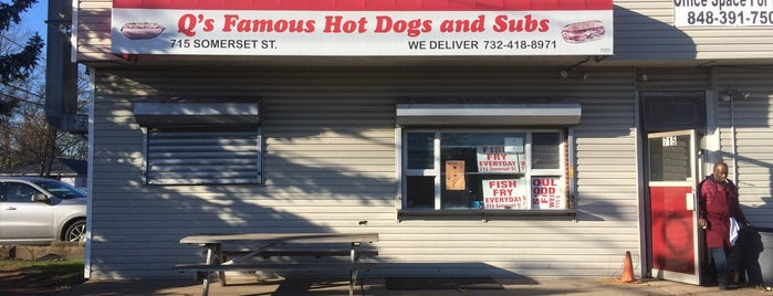 Q's Famous Hot Dogs And Subs is one of INSAHD! Been There, Done That (NJ).