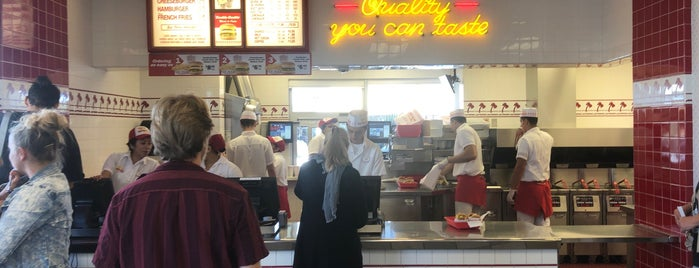 In-N-Out Burger is one of Mo better burgers!.