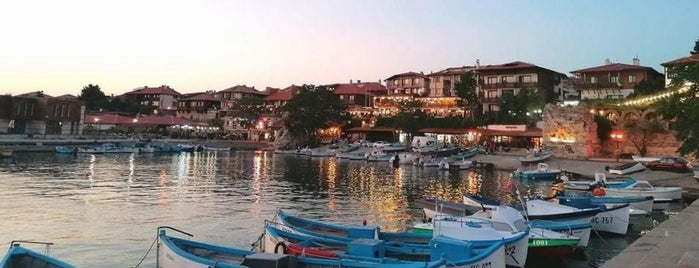 Güzelyalı Marina is one of Orte, die Murat karacim gefallen.