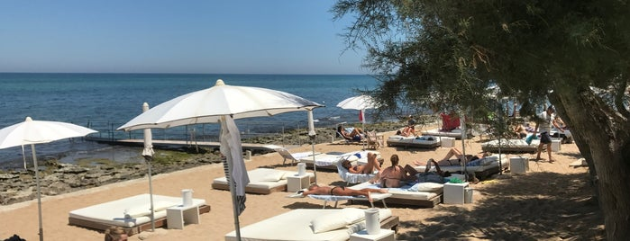 White Beach is one of Apulia Lifestyle Guide.
