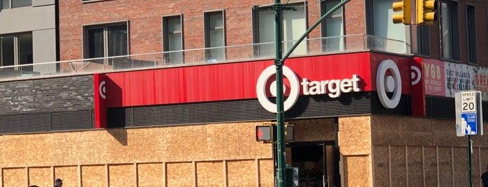 Target is one of Locais curtidos por David.