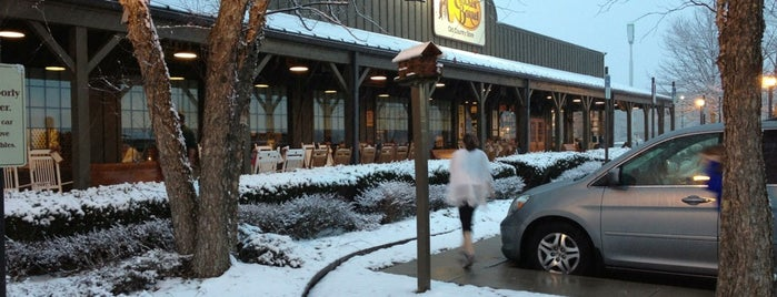 Cracker Barrel Old Country Store is one of Locais curtidos por Ian.