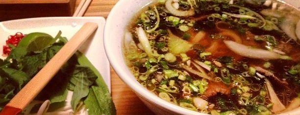 Pho is one of Locais curtidos por Louise.