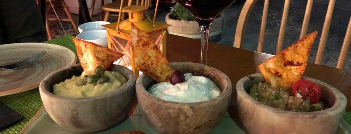Avocado is one of Orte, die Tasos gefallen.