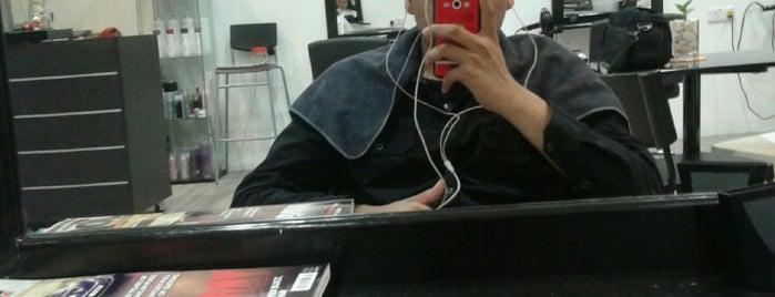 Label S Hair Saloon is one of Yau: сохраненные места.