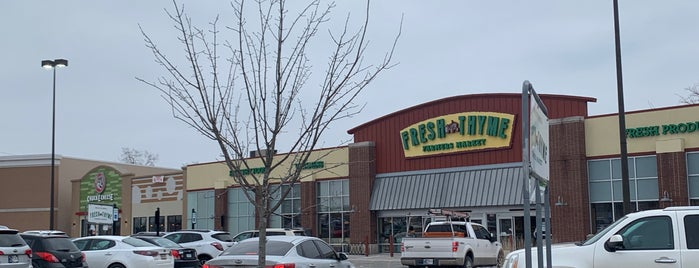 Fresh Thyme Farmers Market is one of Indianapolis.