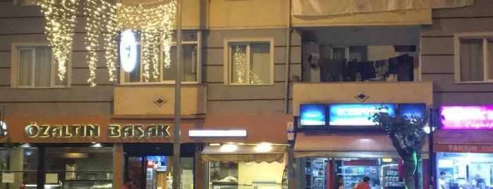 ÖZ ALTINBAŞAK CAFE & PATİSSERİE is one of Gespeicherte Orte von Hakan.