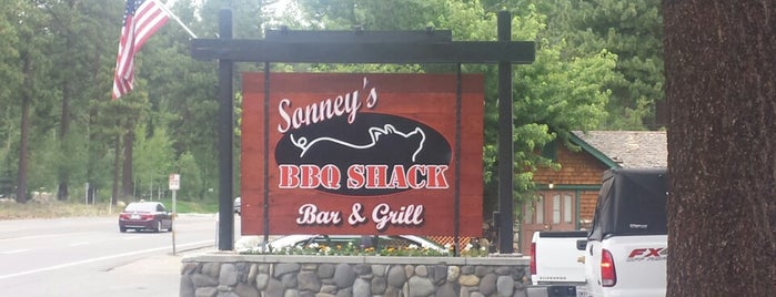 Sonney's BBQ Shack is one of Locais curtidos por Jen.