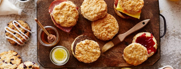 Bojangles' Famous Chicken 'n Biscuits is one of Lets Travel Chickさんのお気に入りスポット.