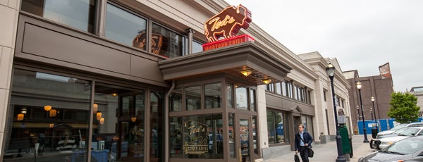 Ted's Montana Grill is one of Lieux qui ont plu à Garrett.
