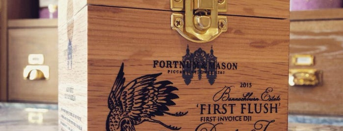 Fortnum & Mason is one of Montréalさんの保存済みスポット.