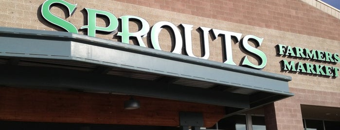 Sprouts Farmers Market is one of Tempat yang Disukai Ryan.