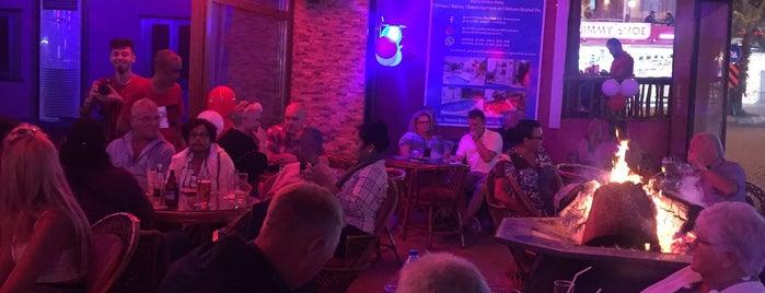 Harmony Karaoke & Cocktail Bar is one of Lieux qui ont plu à Çiçek.