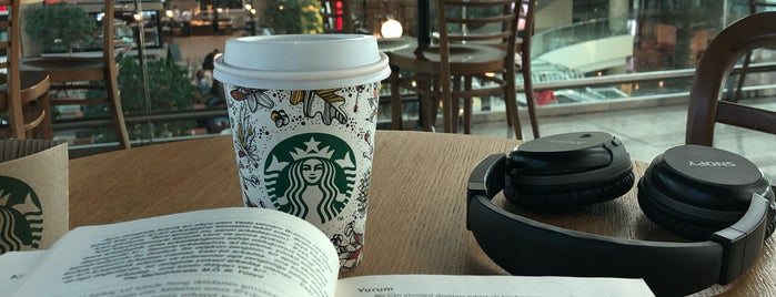 Starbucks is one of Posti che sono piaciuti a Dilek.