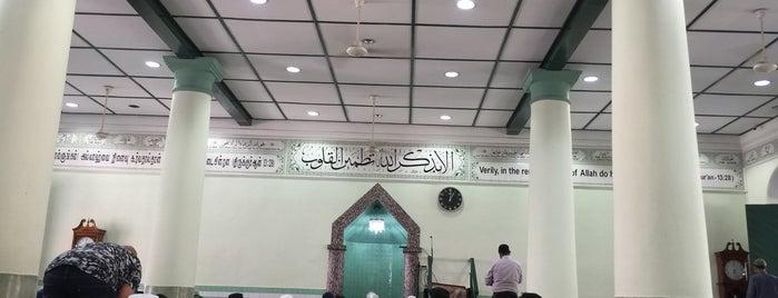 Masjid Jamek Chulia, Chinatown, Singapore is one of Singapore.