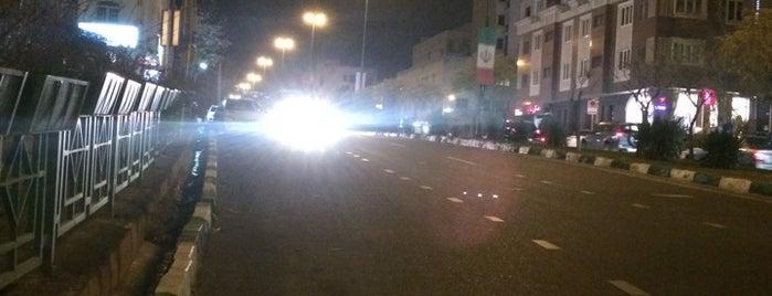 Bist-o Chahar Metri Boulevard | بلوار ۲۴ متری is one of Hamit'in Kaydettiği Mekanlar.