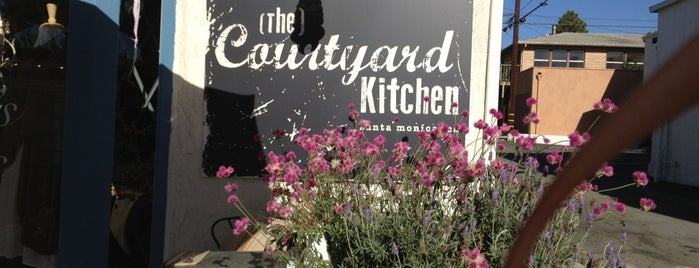 The Courtyard Kitchen is one of Locais curtidos por Natalia.