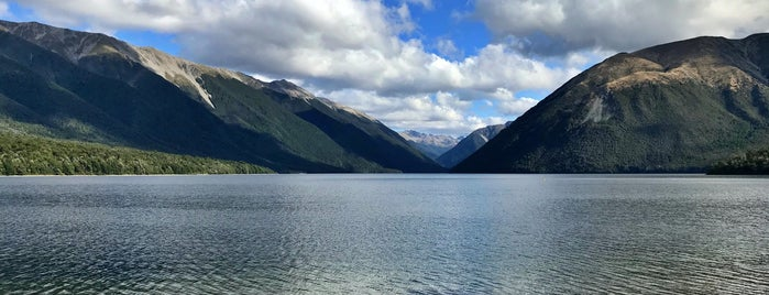 Lake Rotoiti is one of Новая Зеландия.