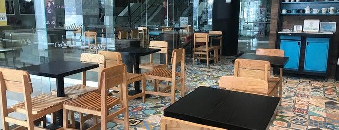 Cielito Querido Café is one of Posti che sono piaciuti a Omar.