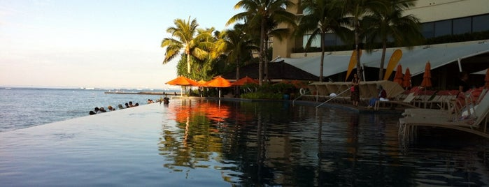 Sheraton Waikiki Infinity Pool is one of All-time favorites in Hawaii.