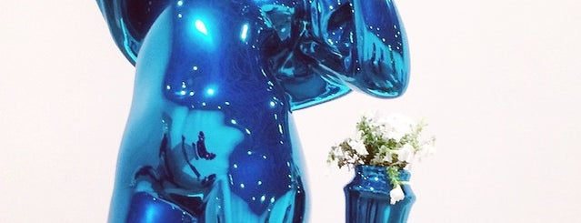 Jeff Koons: A Retrospective is one of diogoさんのお気に入りスポット.