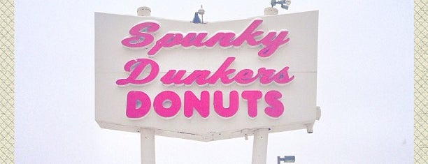 Spunky Dunkers Donuts is one of Posti salvati di Christopher.