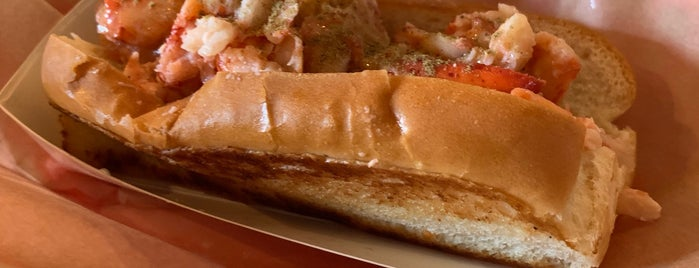 Luke's Lobster is one of สถานที่ที่ andra ถูกใจ.