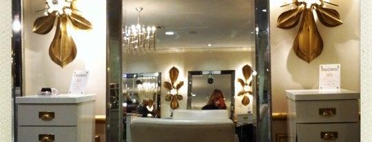 De Berardinis Salon is one of สถานที่ที่ Andrew ถูกใจ.