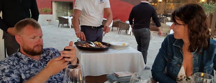 Restaurante Rocamar is one of Feskoさんのお気に入りスポット.