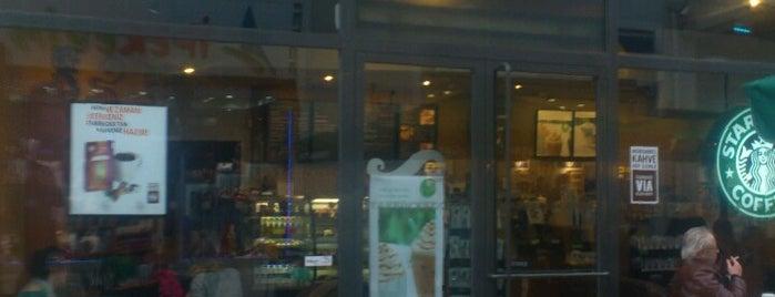 Starbucks is one of Lugares favoritos de Bemish 👪.