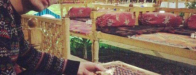Malek-ol Tojjar Hotel | هتل ملک التجار is one of Orte, die Yunus gefallen.