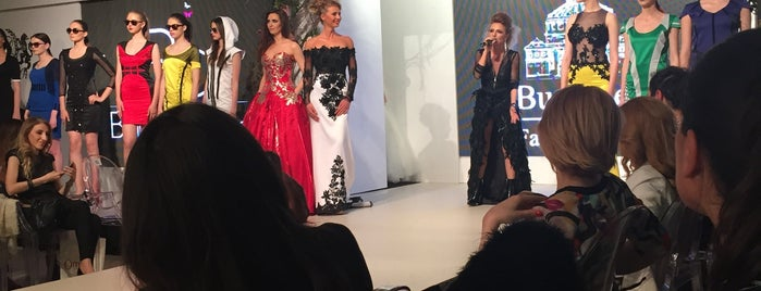 Bucharest Fashion Week is one of Lieux qui ont plu à Slysoft.