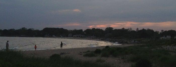 Sasco Hill Beach is one of Lieux sauvegardés par Maria.