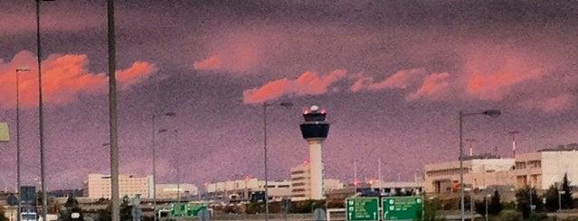 Aeropuerto Internacional de Atenas Eleftherios Venizelos (ATH) is one of Athens.