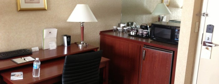 DoubleTree Suites by Hilton Hotel Cincinnati - Blue Ash is one of Places I've stayed.