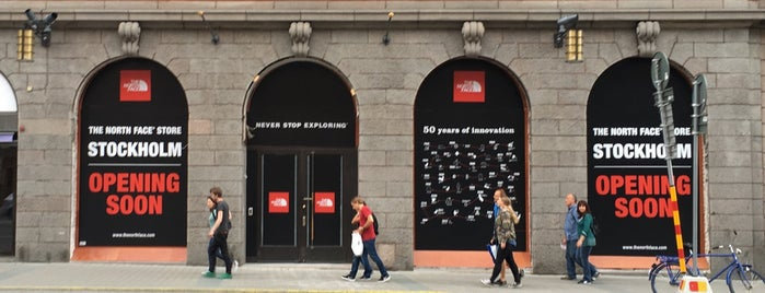 The North Face Store is one of Orte, die Simone gefallen.