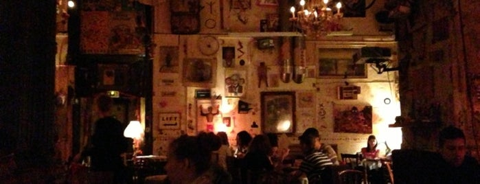 Csendes Vintage Bar & Cafe is one of The best student spots in Budapest.