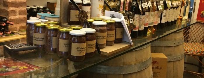 Arda Şarap Butiği is one of En İyi Tasarımlı Şarap Ve İçki Mağazaları.