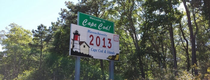 Welcome To Cape Cod Sign is one of Val 님이 좋아한 장소.