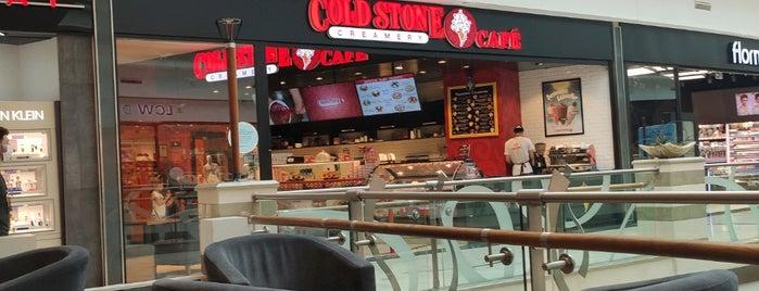 Cold Stone Creamery is one of Tempat yang Disukai Oya.