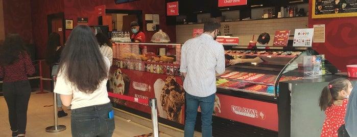 Cold Stone Creamery is one of Orte, die Şelale gefallen.