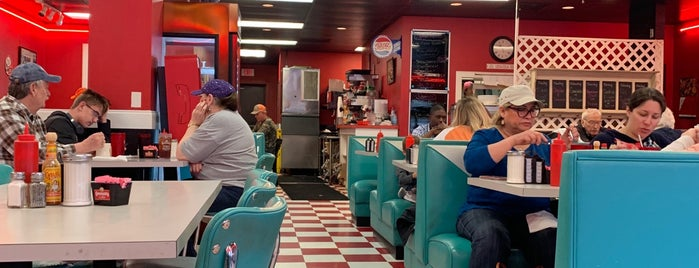Route 66 Classic Diner is one of Local.